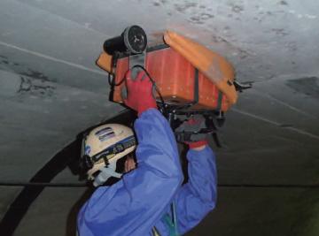 トンネル覆工厚・背面空洞調査